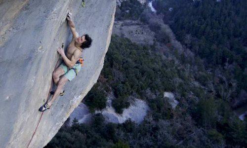Adam Ondra resuelve al flash 'Super crackinette' 9a+ de St. Léger du Ventoux